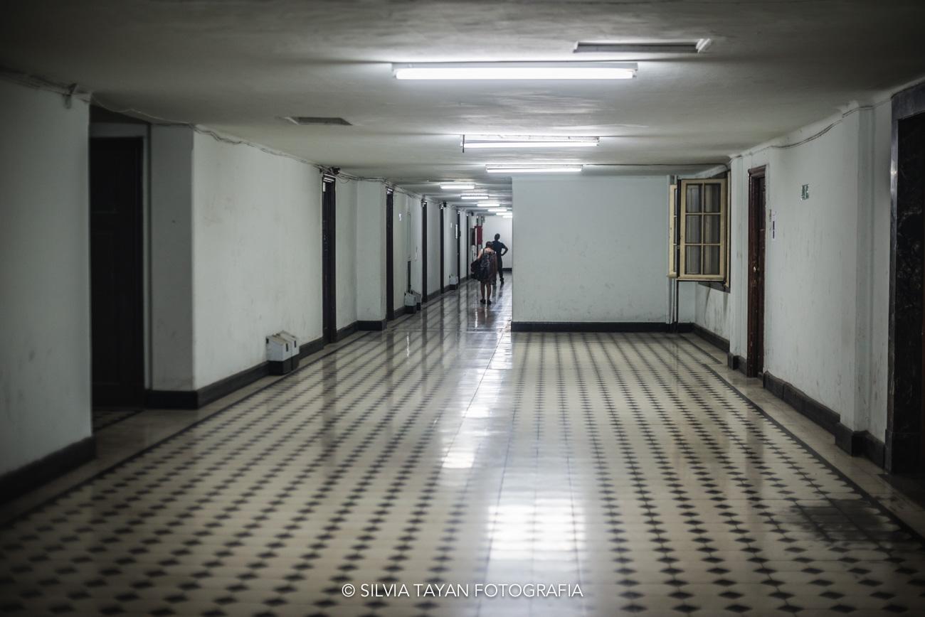 Pasillo de un histórico edificio de Plaza de Armas